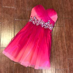 Dresses & Skirts - Pink Homecoming Dress